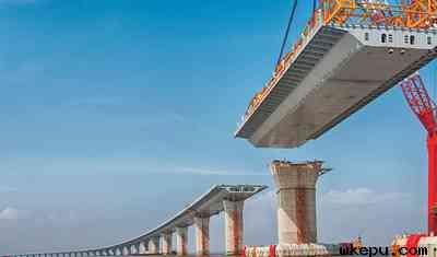 """探索港珠澳大桥的""""科技密码"""""""