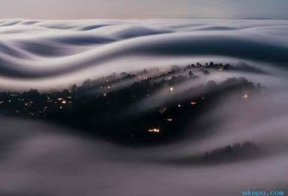 """""""幽灵""""般的雾云"""