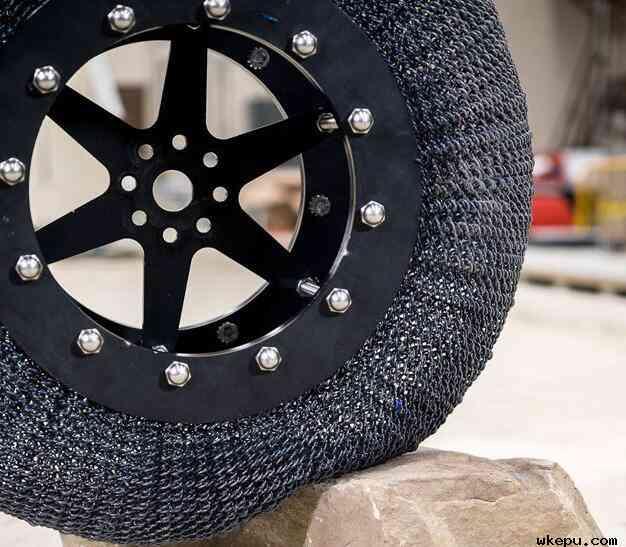 NASA研发出形状记忆合金轮胎