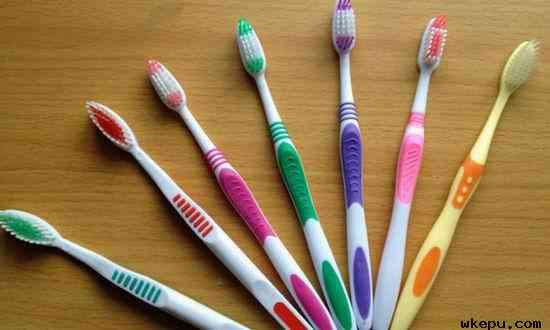 牙刷应该怎么选?