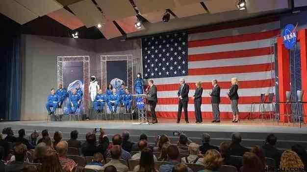 NASA宣布参加2019年载人航天计划的9名宇航员