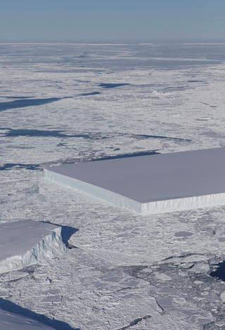 矩形冰山Jeremy Harbeck所摄冰山