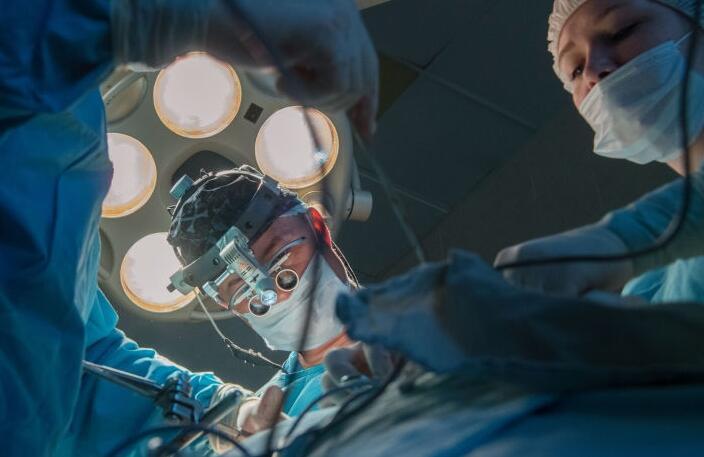 瑞典科学家解释说,切除阑尾的人患上帕金森症的风险会降低。这项研究结果被刊登在《科学转化医学》期刊上。