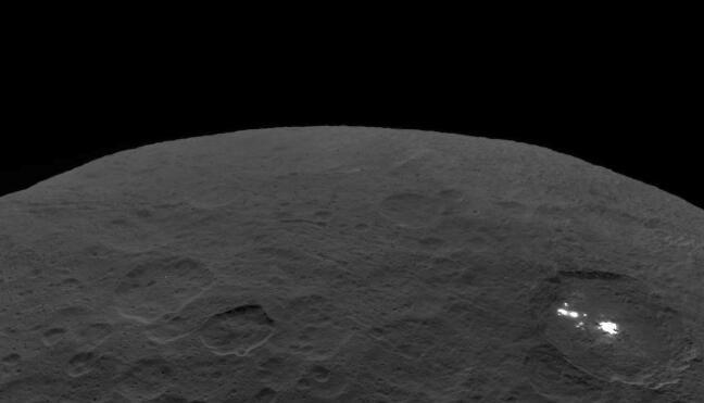 谷神星(Ceres)的表面图像